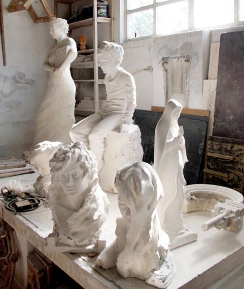 skulpture od bračkog kamena