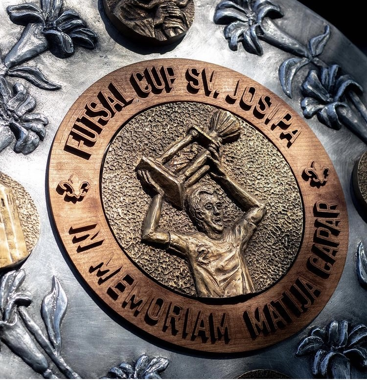 medalja koju je izradio mladi hrvatski akademski kipar